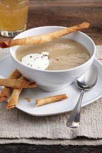 Bratapfel-Sellerie-Suppe mit Gewürz-Zigarren - Rezept von Betty Bossi & Miele