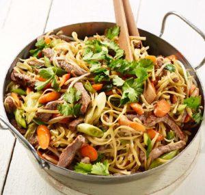 Gemüse-Wok mit Rindfleisch - Rezept von Betty Bossi & Miele